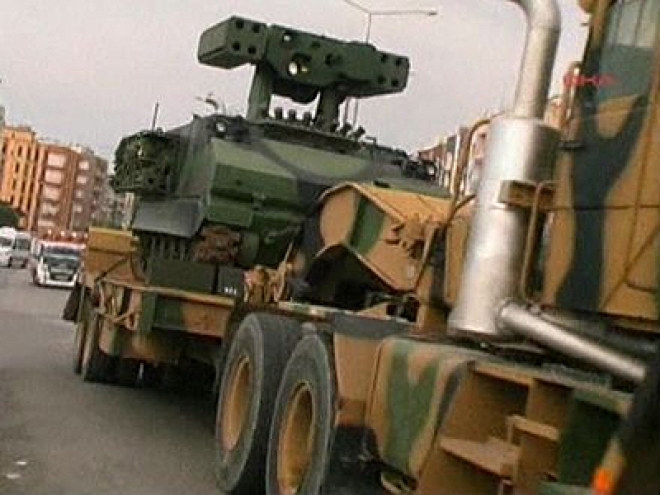 Turkish military prepare to react against any Syrian threat