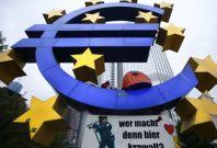 European Shares Fall Amid Summit Tension