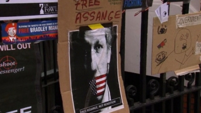 UK Police Demand Assange leave Ecuador Embassy