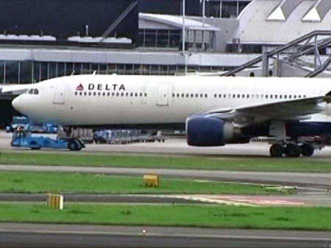 Needles Found in Delta Airlines Food