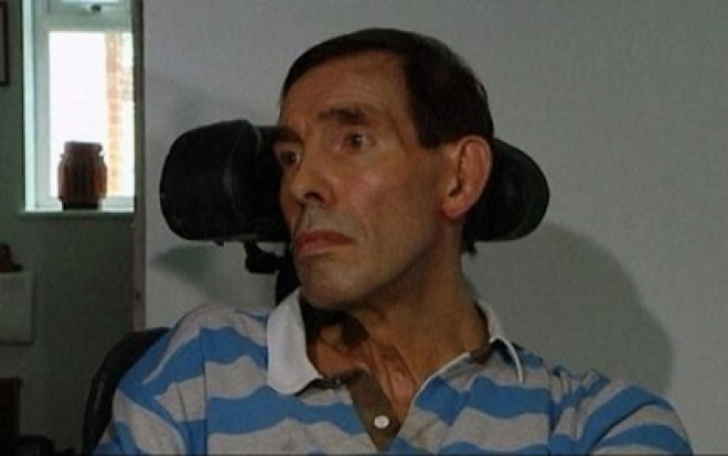 Locked-in syndrome victim Tony Nicklinson dies at home