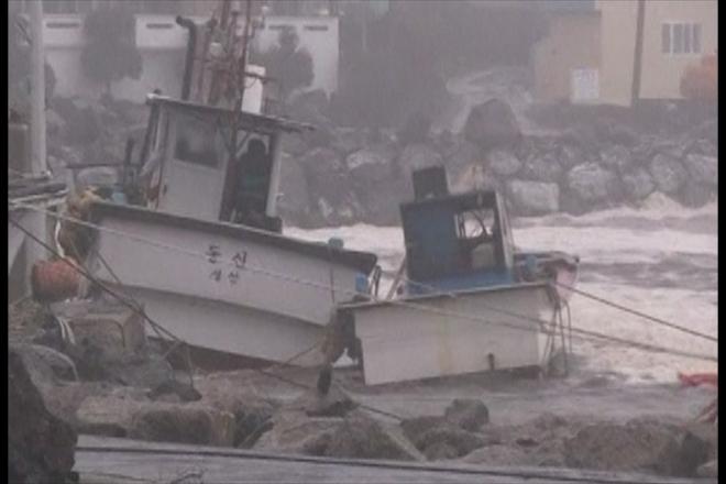 Typhoon Bolaven devastates South Korean coast