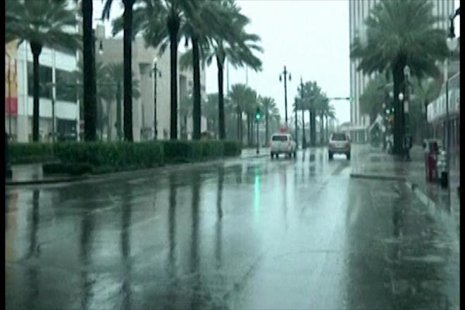 Hurricane Isaac bears down on New Orleans