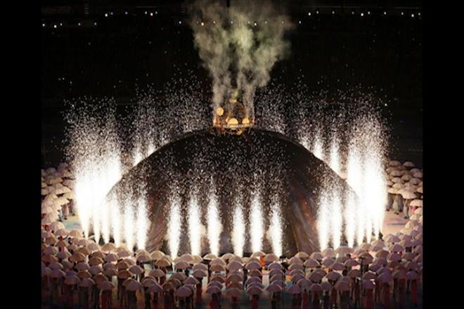 Queen opens 2012 Paralympics in London
