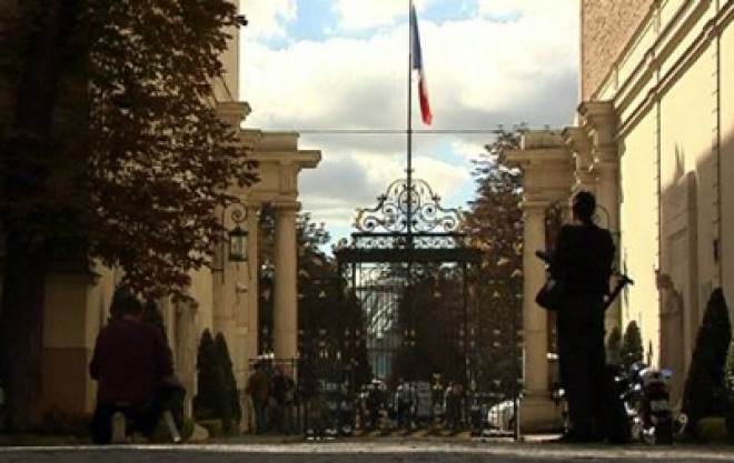 France Closes Embassies in Muslim Countries