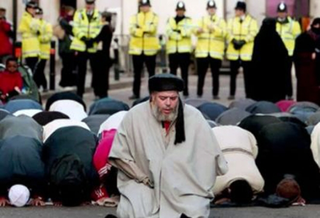 Abu Hamza to be extradited to US over terrorism charges