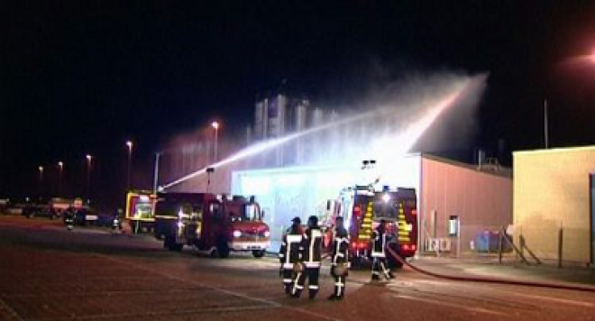 1,800 people evacuated after food factory spill