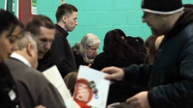 UK unemployment down 50.000 to 2.53m