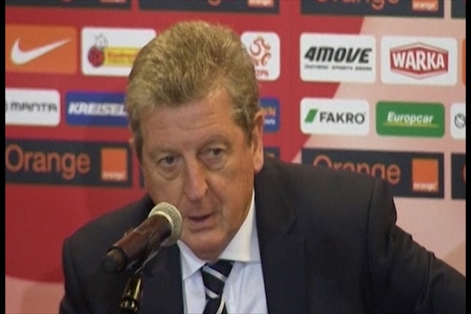 Hodgson blames delay for England's poor performance