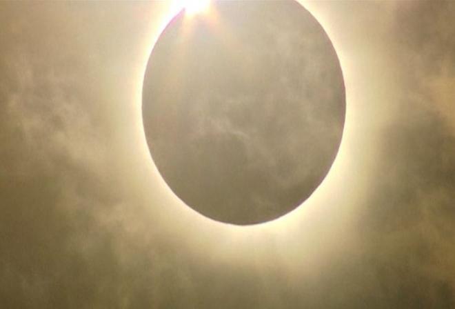 Breathtaking solar eclipse over Australia