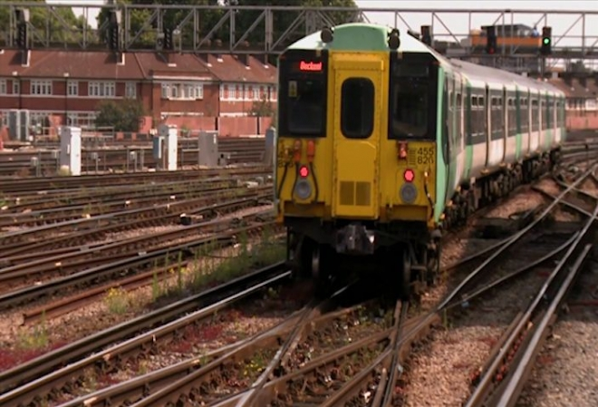Network Rail's profit jumps despite late trains