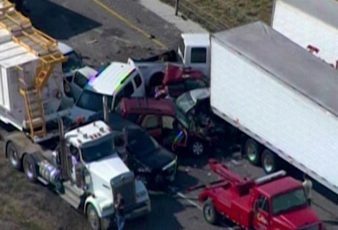 Two killed in 140-car Texas pile-up