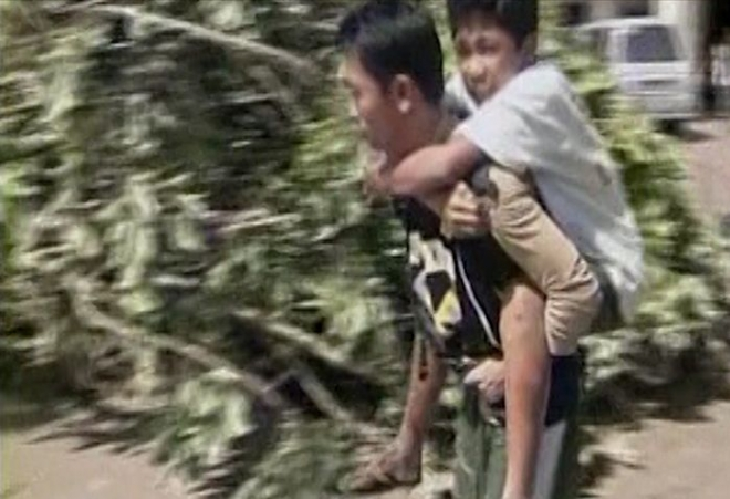 Over 200 Killed by Typhoon Bopha in the Philippines