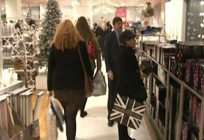 Christmas shoppers cutting down on spending
