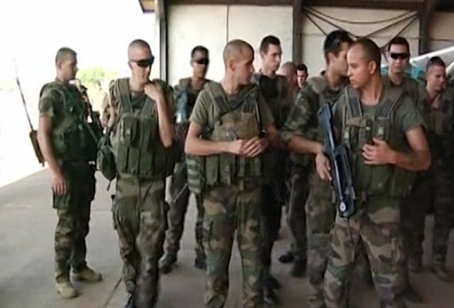 Mali conflict: France to deploy more troops