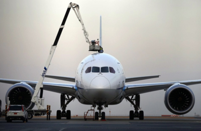 Europe & US order grounding of Dreamliners