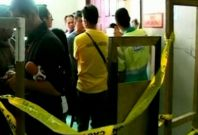 Canadian kills 2 in Philippine court, then himself