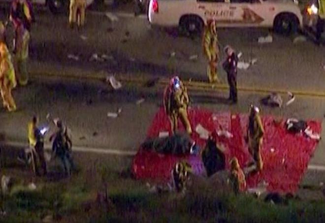 Eight killed in California tour bus crash