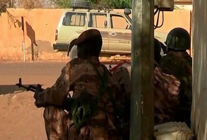 Mali: Islamists launch surprise attack on Gao