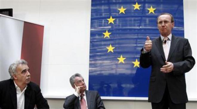 London Bankers Slam EU Bonus Caps