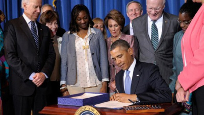 Obama Signs Reauthorisation Of Violence Against Womens Act