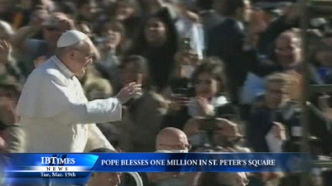 Pope Blesses One Million in St. Peters Square