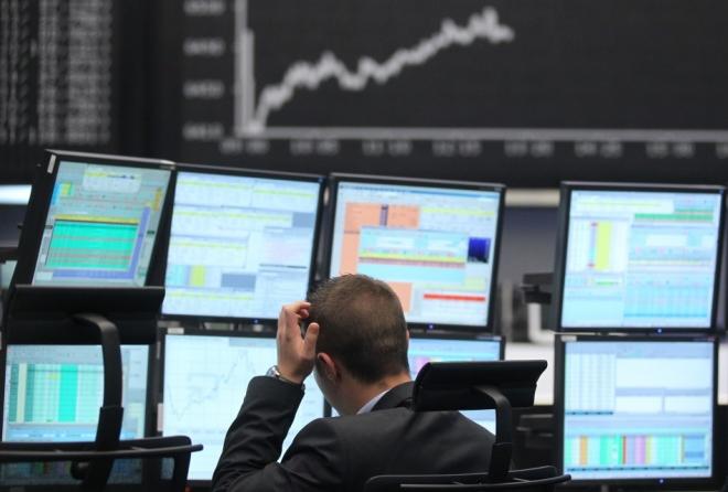 European shares slide as investors pullback ahead of central bank meetings