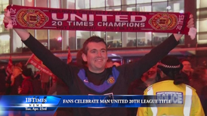 Fans Celebrate Manchester United's 20th League Title
