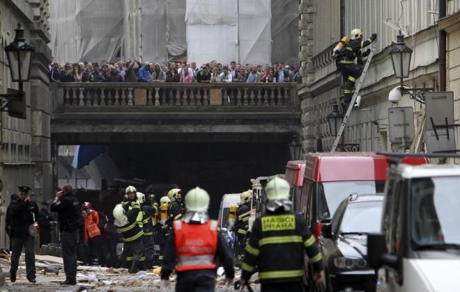 Explosion injures 40 in central Prague