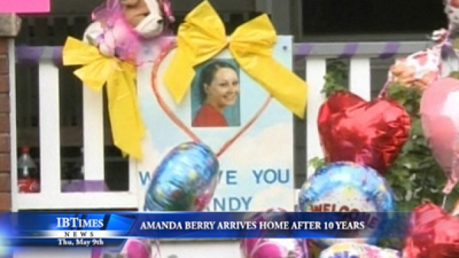 Cleveland Kidnapping Victim Amanda Berry Arrives At Home