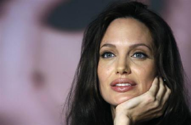 Angelina Jolie Reveals Having Double Mastectomy