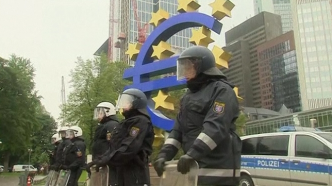 Protesters Surround ECB in Blockupy Movement