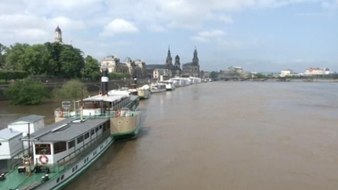 City Of Dresden Braces For Flood Peak