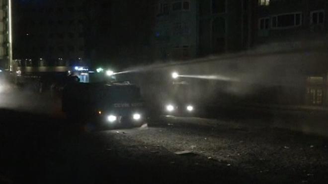 Turkish Police Battle Protesters After Erdogan Warning