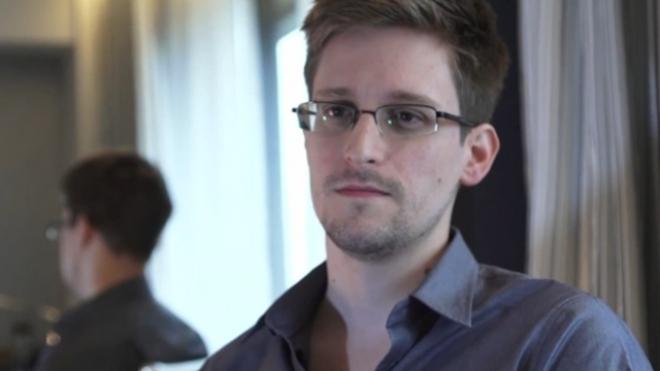 Edward Snowden Applies For Russian Asylum