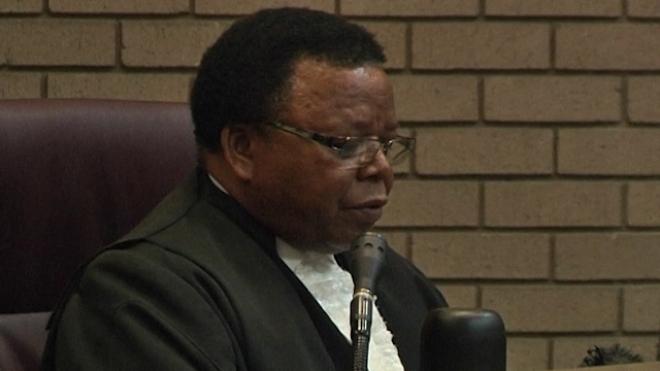 Judge Orders Grandson To Exhume Mandela Children