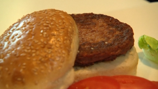 First Taste Of Test-Tube Burger Declared Close To Meat