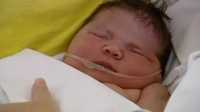 British Mum Breaks Spains Biggest Natural Birth Record