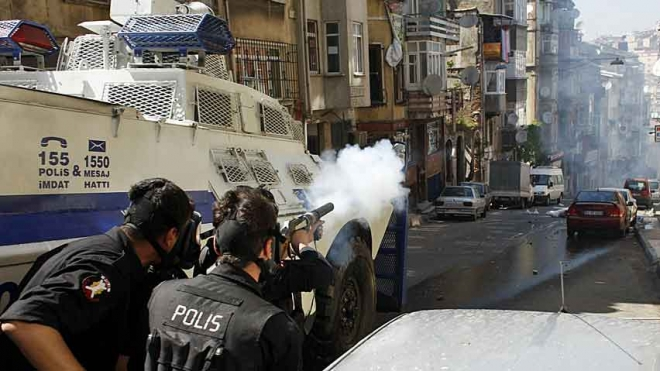Police Fire Tear Gas In Istanbul As Protests Continue
