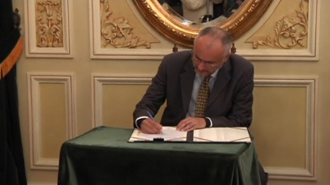 Bolivia Signs Major Oil And Gas Exploration Deals