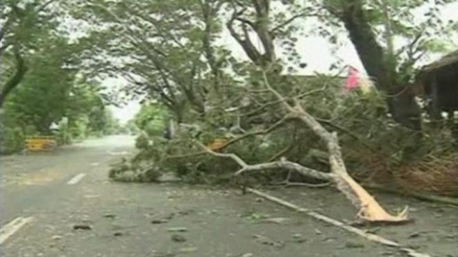 Typhoon Haiyan Batters The Philippines
