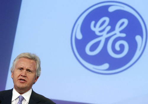 General Electric CEO Jeffrey Immelt seen speaking at a news conference
