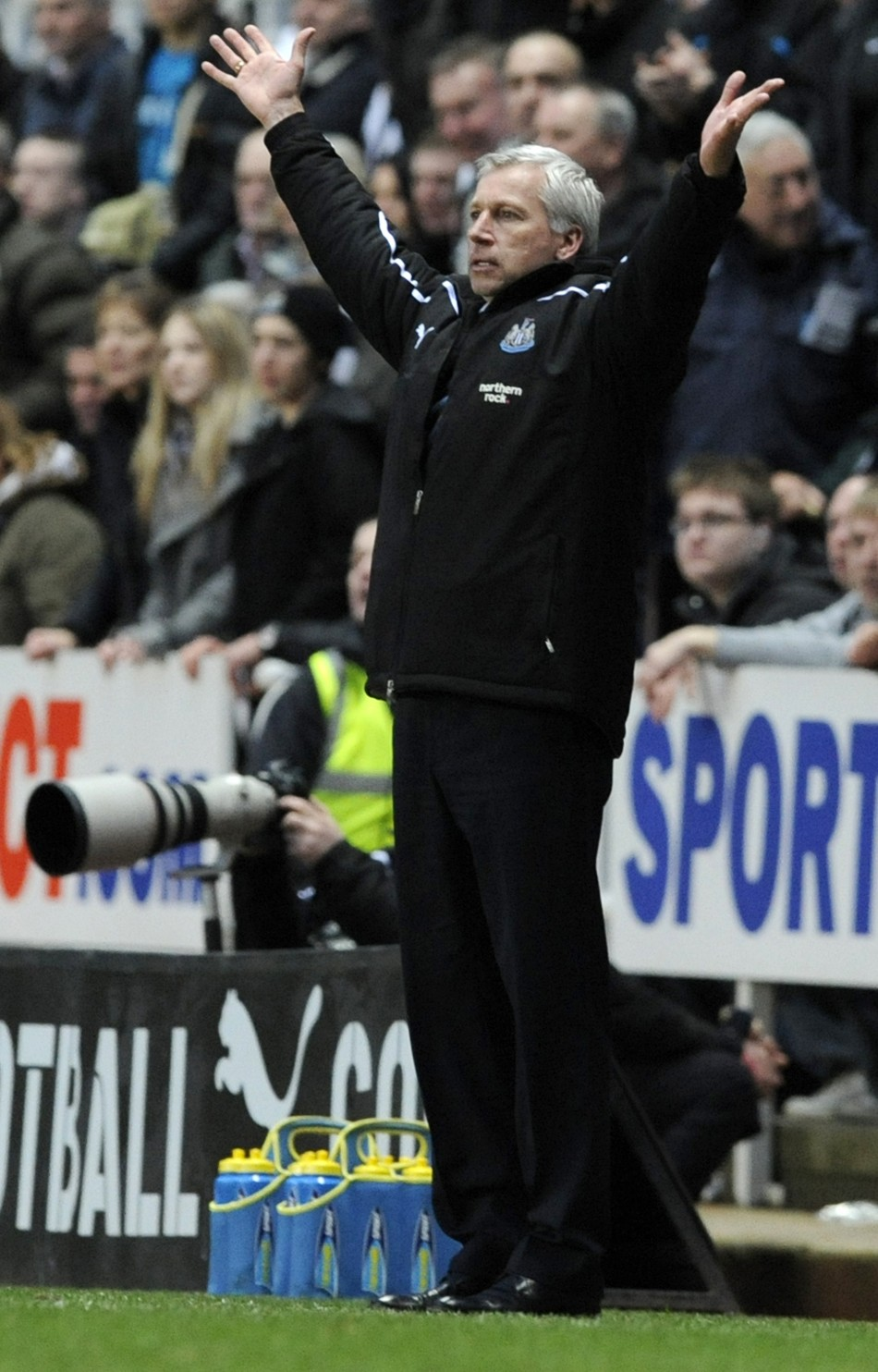 Alan Pardew on the touchline