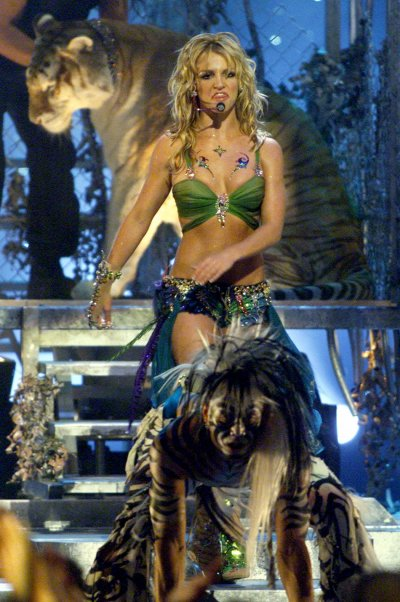 Britney performs Im a Slave for You
