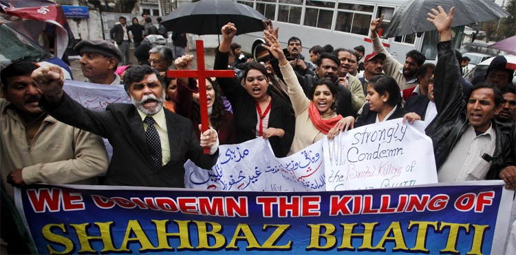 Christians shout slogans to protest against the killing of Pakistani Minister for Minorities Shahbaz Bhatti during a demonstration in Lahore, March 2, 2011