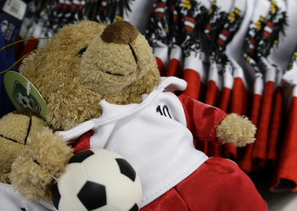 Paul Tumber and his wife sold teddy bears at toy fairs around the country.