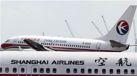 Chinese carriers hike fuel surcharges for domestic routes -CCTV