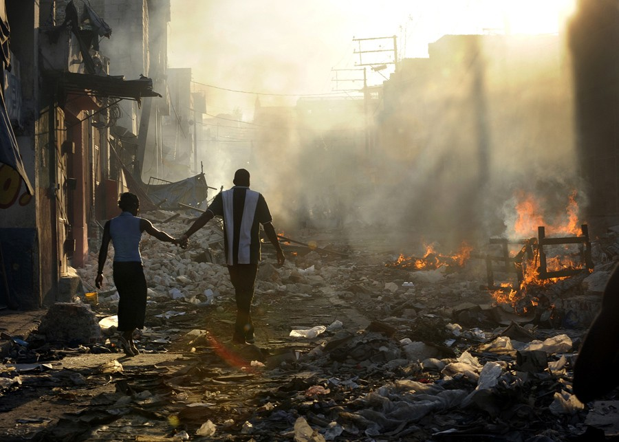 2011 Pulitzer Prize Winners: Breaking News Photography [PHOTOS]