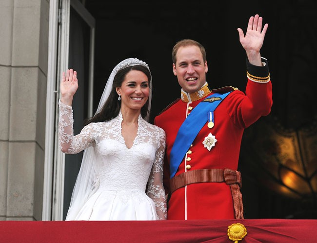 What's the score for Kate's wedding dress?