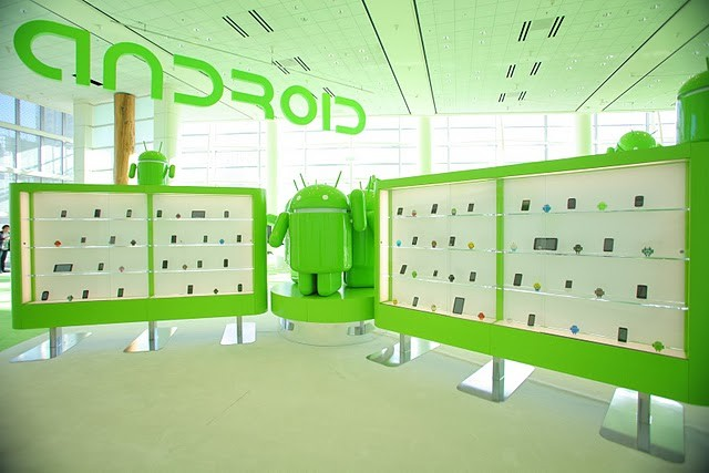 Android Mascot at Google I/O (PHOTOS)